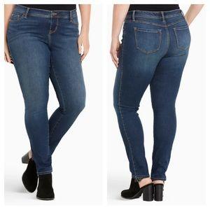 Torrid Medium Wash Luxe Skinny Jean Size 18